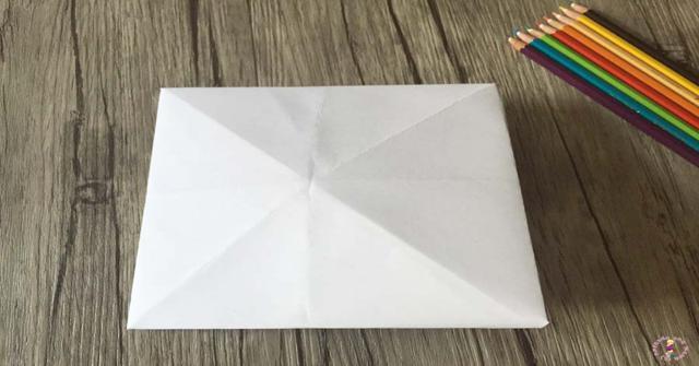 un comecocos de papel