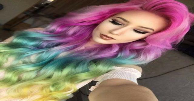 el pelo teñido