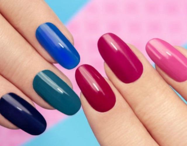 pintar las uñas con gel