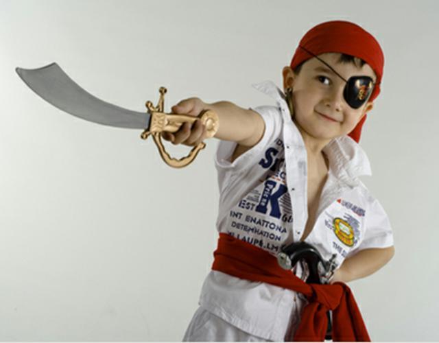 Como Hacer Un Disfraz De Pirata Casero Quehowtocom - Como-hacer-un-disfraz-casero