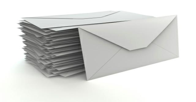 un sobre con un folio