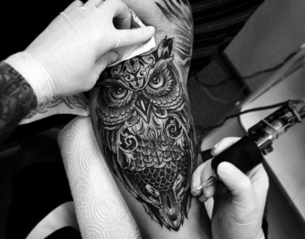 Cuál es el significado de los tatuajes de búhos