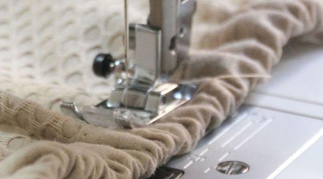 Cómo aceitar una máquina de coser