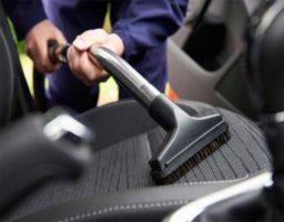 limpiar la tapicería del coche