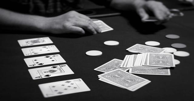 jugar al póker