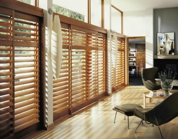 limpiar persianas de madera