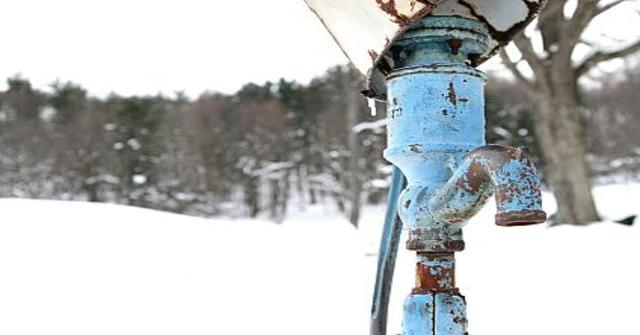 descongelar una tubería de agua