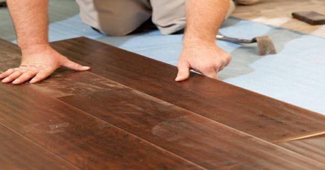 instalar suelo de parquet
