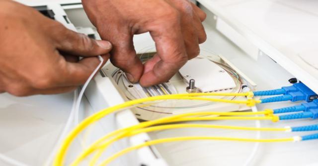 empalme de cable eléctrico